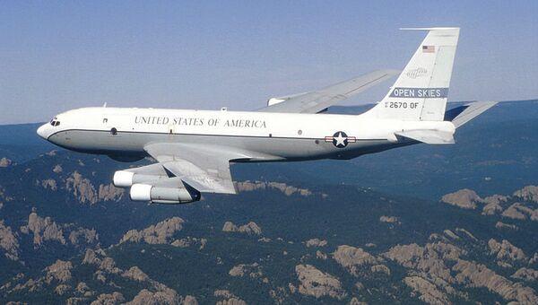 Самолет OC-135B Open Skies. Архивное фото