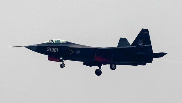 Многоцелевой истребитель J-31 производства КНР