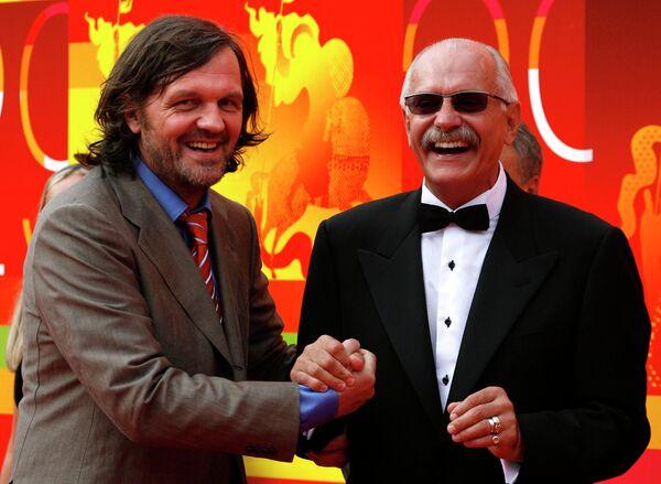 Кинорежиссеры Эмир Кустурица и Никита Михалков. Московский международный кинофестиваль, 2007 год