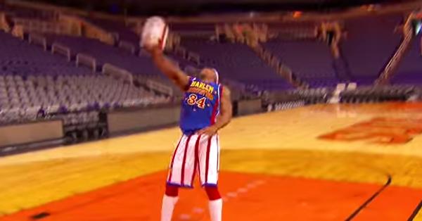 Самый длинный бросок спиной к баскетбольной корзине