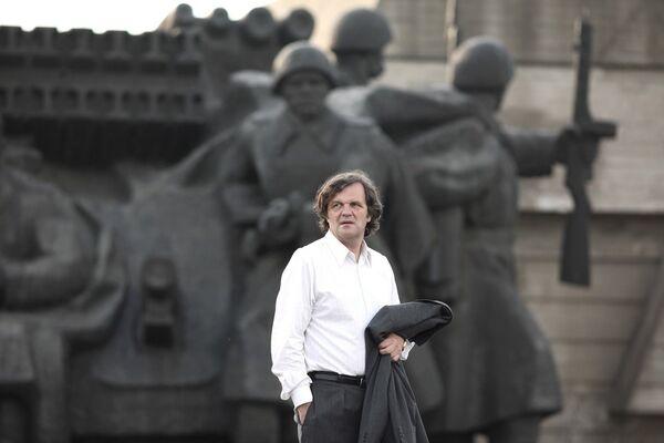 Кинорежиссер Эмир Кустурица в фильме Прощальное дело. 2009