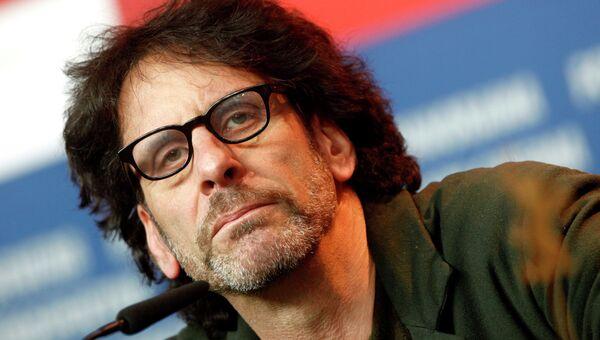 Американский сценарист и режиcсер Джоэл Коэн. Архивное фото