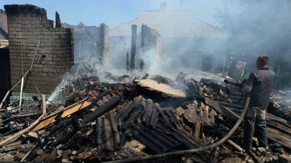 Разрушенные частные дома в Горловке. Архивное фото