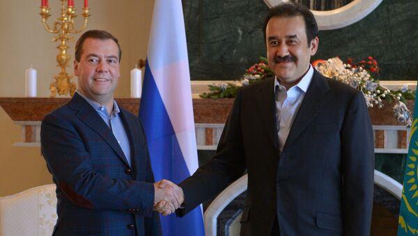 Председатель правительства России Дмитрий Медведев (слева) и премьер-министр Казахстана Карим Масимов. Архивное фото