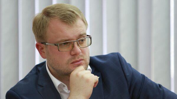 Министр внутренней политики, информации и связи РК Дмитрий Полонский. Архивное фото