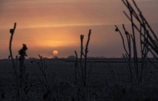 Рассвет возле города Харцызск, Донецкая область