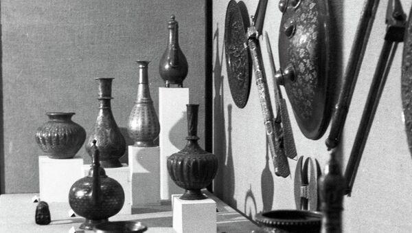 Коллекция предметов домашнего обихода и боевого оружия - предметы прикладного творчества