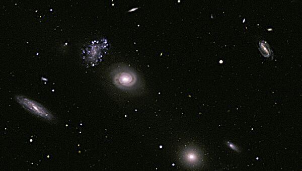 Сталкивающиеся галактики. Архивное фото