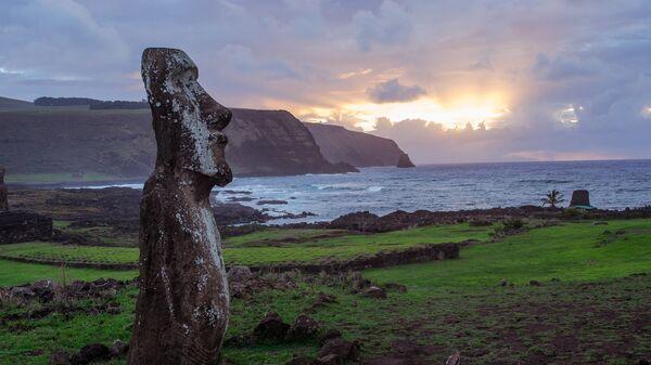 Остров Пасхи, архивное фото