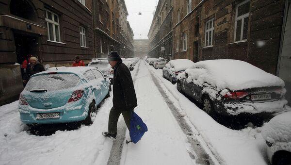 Последствия снегопада в столице Хорватии Загребе, 28 декабря 2014