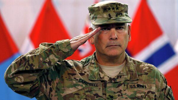 Командующий ISAF генерал Джон Кэмпбелл на официальной церемонии закрытия миссии НАТО в Афганистане. Кабул, 28 декабря 2014 года