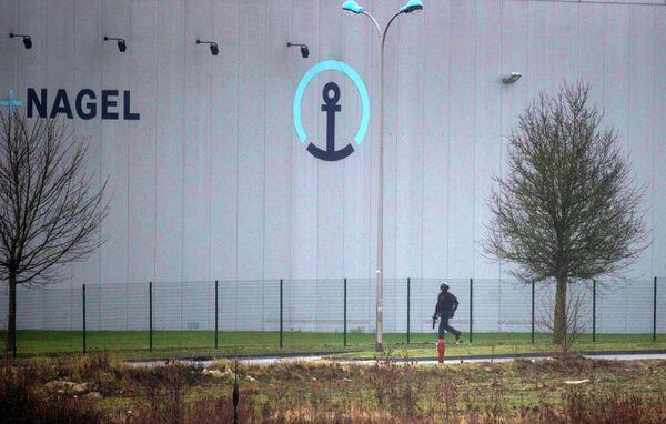 Французские военные у места операции по захвату напавших на офис Charlie Hebdo в городе Данмартан-ан-Гоэль