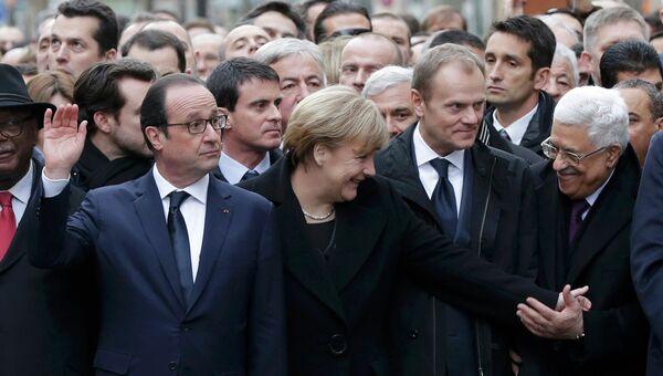 Франсуа Олланд и Ангела Меркель во время Марша единства в Париже