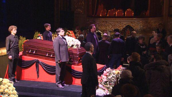 Кадры церемонии прощания с оперной певицей Еленой Образцовой