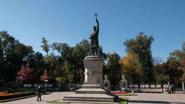 Памятник Стефану Великому в Кишиневе, Молдавия