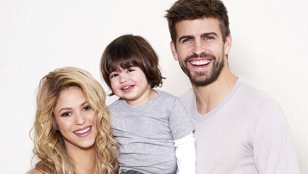 Певица Шакира с мужем Жераром Пике и сыном Миланом