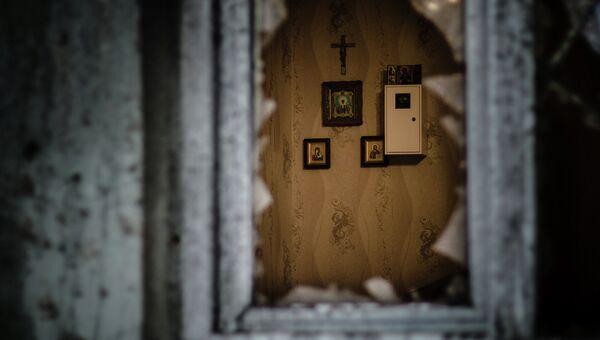 Квартира в доме, разрушенном в результате артиллерийского обстрела украинскими силовиками Донецка. Архивное фото