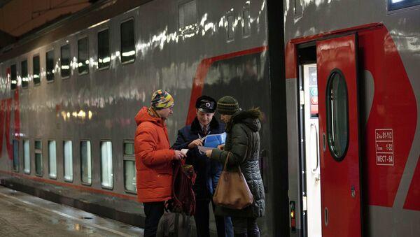Двухэтажный поезд. Архивное фото