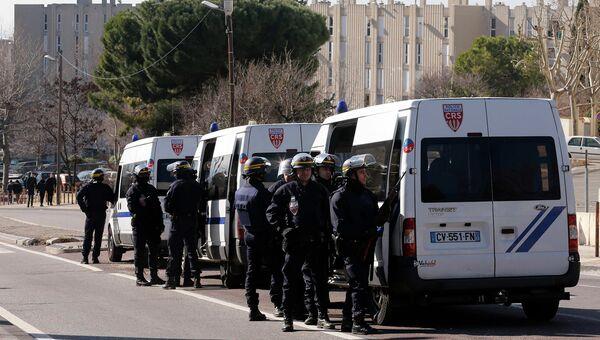 Полиция на месте стрельбы в Марселе
