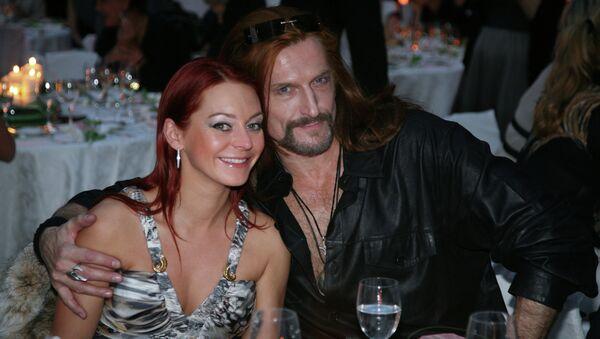 Актер Никита Джигурда с супругой фигуристкой Мариной Анисиной. Архивное фото