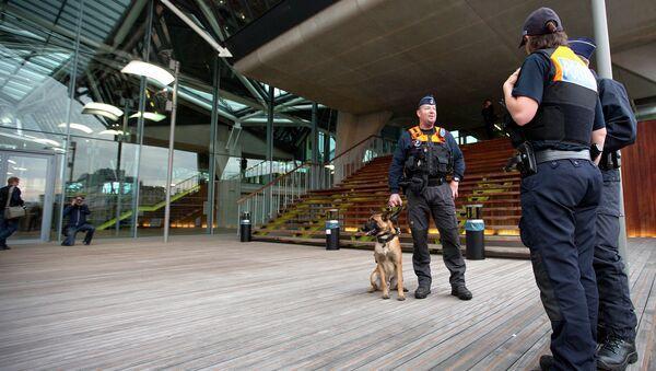 Полиция у здания суда в Антверпене, Бельгия. Архивное фото