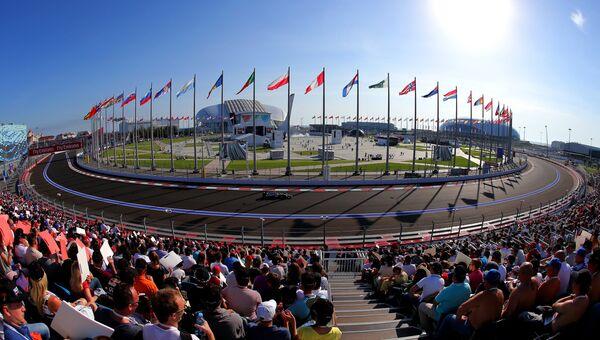Вид трассы Сочи Автодрома на российском этапе чемпионата мира по кольцевым автогонкам в классе Формула-1