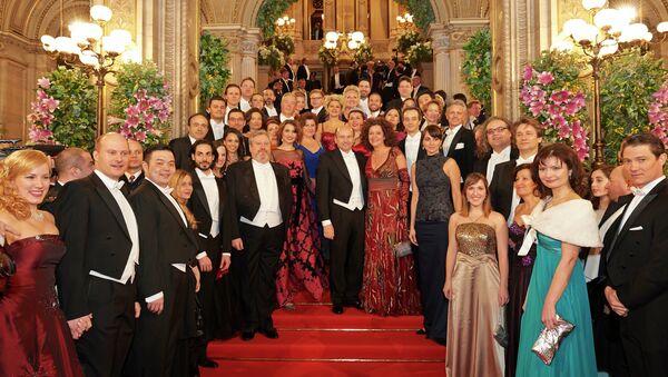 Гости и участники юбилейного Венского оперного бала