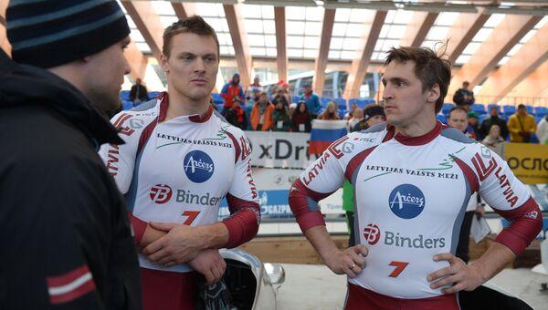 Слева направо: Оскар Мелбардис и Даумантс Дрейшкенс (Латвия), архивное фото