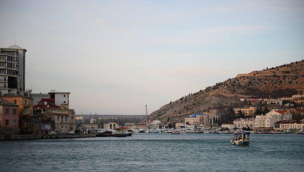 Вид бухты и побережья в окрестностях Балаклавы