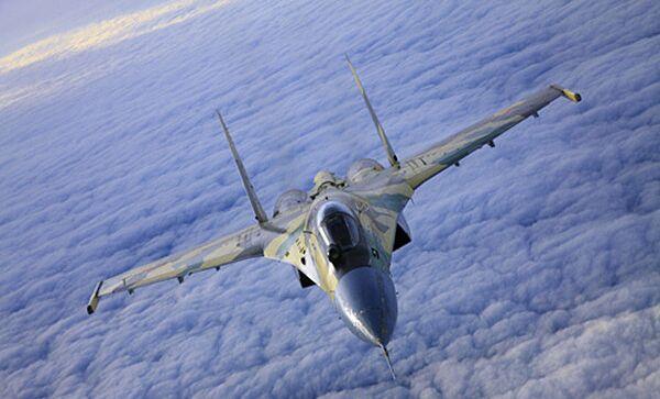Российский многоцелевой истребитель СУ-35, архивное фото