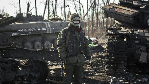 Ополченец Донецкой народной республики в окрестностях Дебальцево Донецкой области. 20 февраля 2015