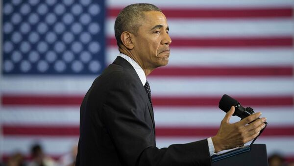 Президент США Барак Обама выступает перед студентами колледжа в Чикаго. Архивное фото
