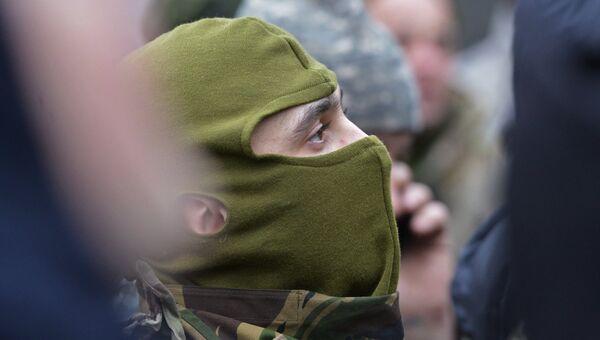 Бойцы 24-го отдельного штурмового батальона Вооруженных сил Украины Айдар. Архивное фото