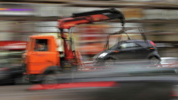 Эвакуация автомобиля. Архивное фото