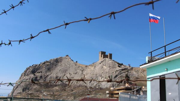 Вид на генуэзскую крепость в Судаке