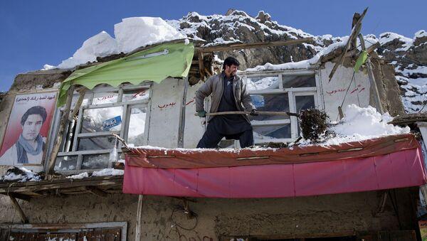 Дом, разрушенный в результате схода лавины в провинции Панджшер в Афганистане. Архивное фото