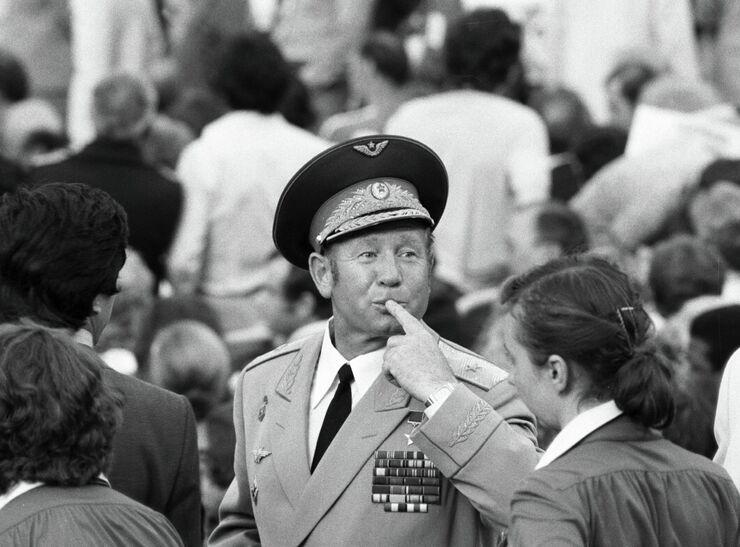 Летчик-космонавт Алексей Леонов в 1986 году.