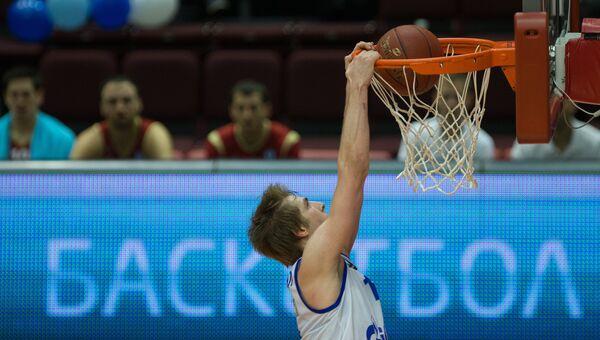 Баскетболист Зенита Артём Вихров. Архивное фото