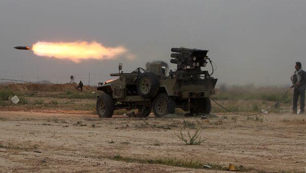 Иракские военные ведут бои против ИГ в районе города Тикрита
