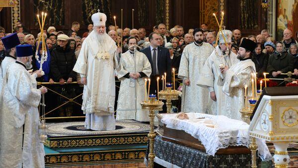 Отпевание писателя Валентина Распутина в храме Христа Спасителя