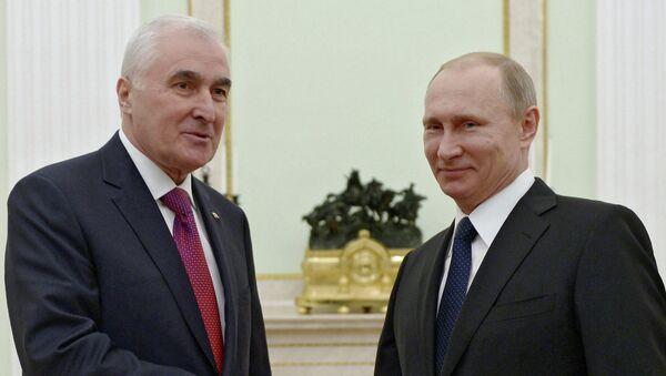 Рабочая встреча президента России В.Путина с президентом Республики Южная Осетия Л.Тибиловым