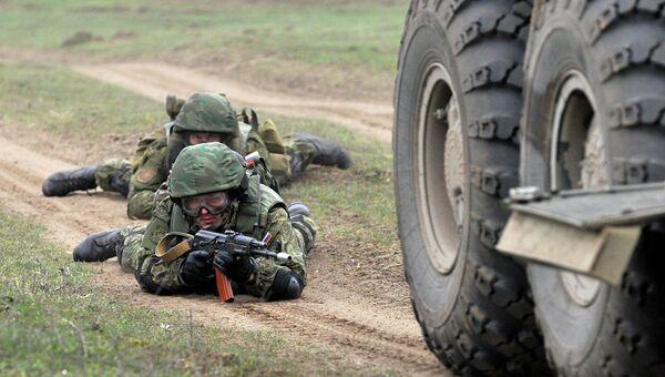 Российские военнослужащие во время учений на полигоне Серноводское. Архивное фото