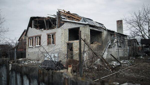 Разрушенный поселок Веселый, находящийся рядом с новым терминалом Донецкого аэропорта