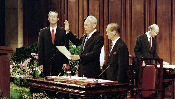 Ли Куан Ю во время присяги 28 ноября 1990. Архивное фото