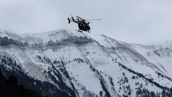Поисково-спасательная операция недалеко от места крушения самолета Germanwings Airbus A320