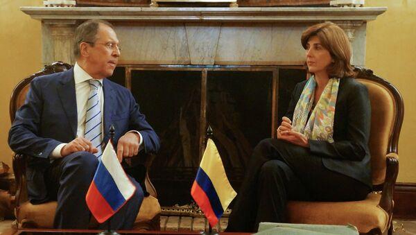 Министр иностранных дел России Сергей Лавров и министр иностранных дел Колумбии Мария Ангела Ольгин. Архивное фото