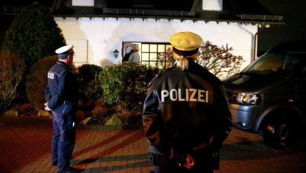 Немецкие полицейские завершили обыск в доме пилота разбившегося самолета Андреаса Лубитца
