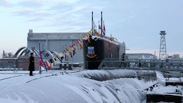 Атомная подводная лодка Юрий Долгорукий на строительном заводе ОАО Производственное объединение Севмаш. Архивное фото