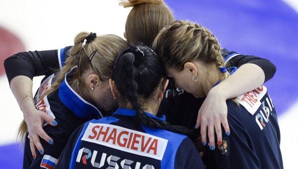 Игроки женской команды России по керлингу на XVIII Сурдлимпийских зимних играх в Ханты-Мансийске
