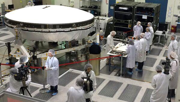 Инженеры НАСА готовят летающую тарелку LDSD к раскрутке на стенде